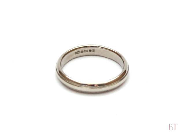 [Wedding Ring] – 18 Carat Gold