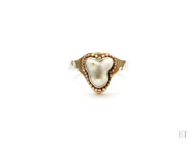 [Puppy Tooth Ring] – 9 Carat White and Yellow Gold, Tooth