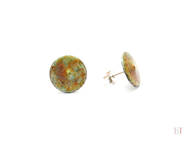 [Enamelled Stud Earrings] – Sterling silver, torch-fired enamel