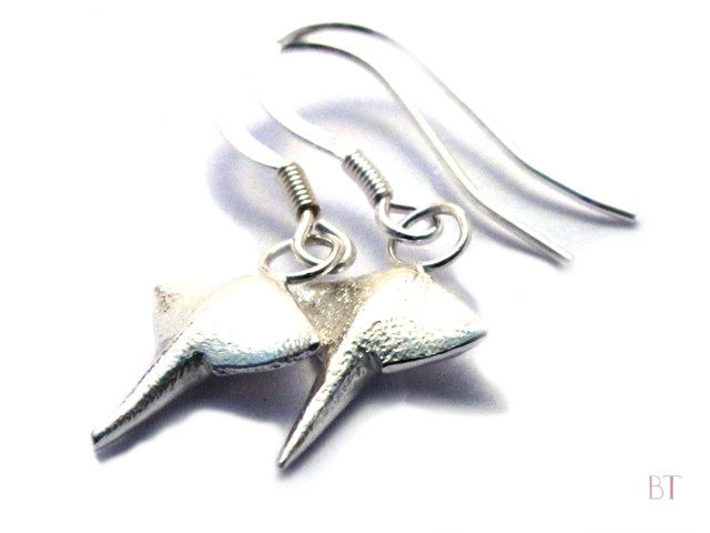 [Manta Ray Earrings] – Sterling Silver